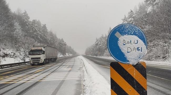 Bolu Dağında Kar etkili oluyor