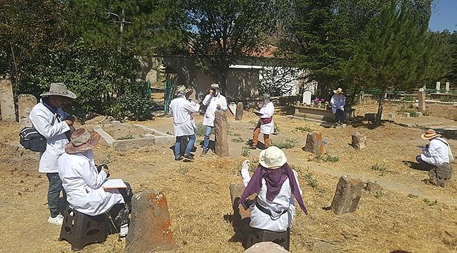 Özel Haber/ Develi Gömedi Köyünde Salur Ve Bayundur Alp-Erenlerinin Tamgalı Mezarlarının Tespit Çalışmaları Yapıldı