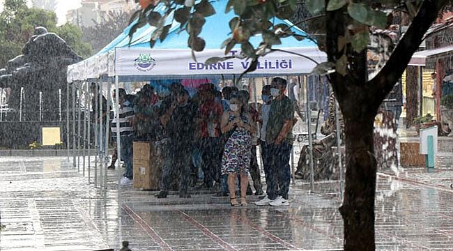 Edirne'de yağmur kısa sürede etkili oldu