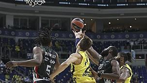 Fenerbahçe Beko'dan UNICS Kazan'a 39 fark